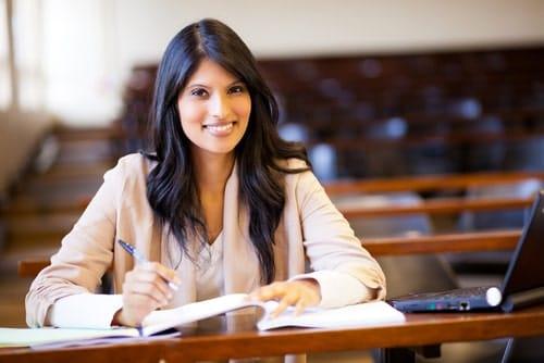 Female students learning SEO